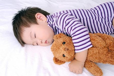 4 chiêu hay giúp bé yêu ngủ trưa ngon giấc