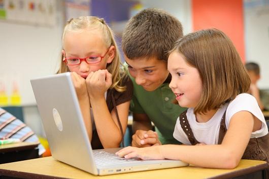 Những lưu ý cần thiết khi cho bé sử dụng máy tính